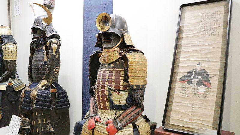 前立が盃の展示品の甲冑