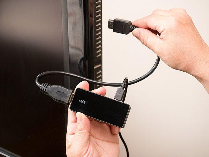 テレビのHDMIケーブルに「テレビde写真」の受信機を接続