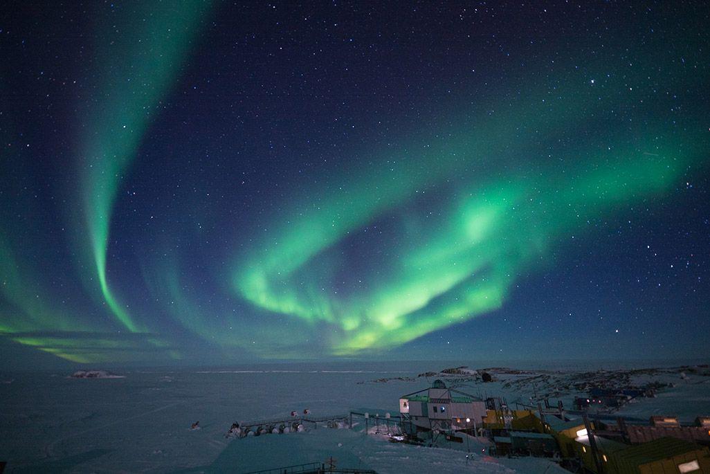南極昭和基地周辺で観測されたオーロラ