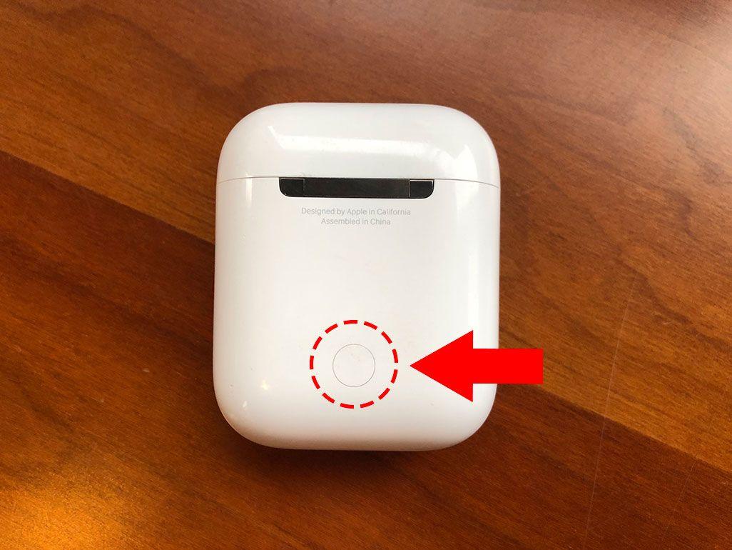 AirPods リセットボタン