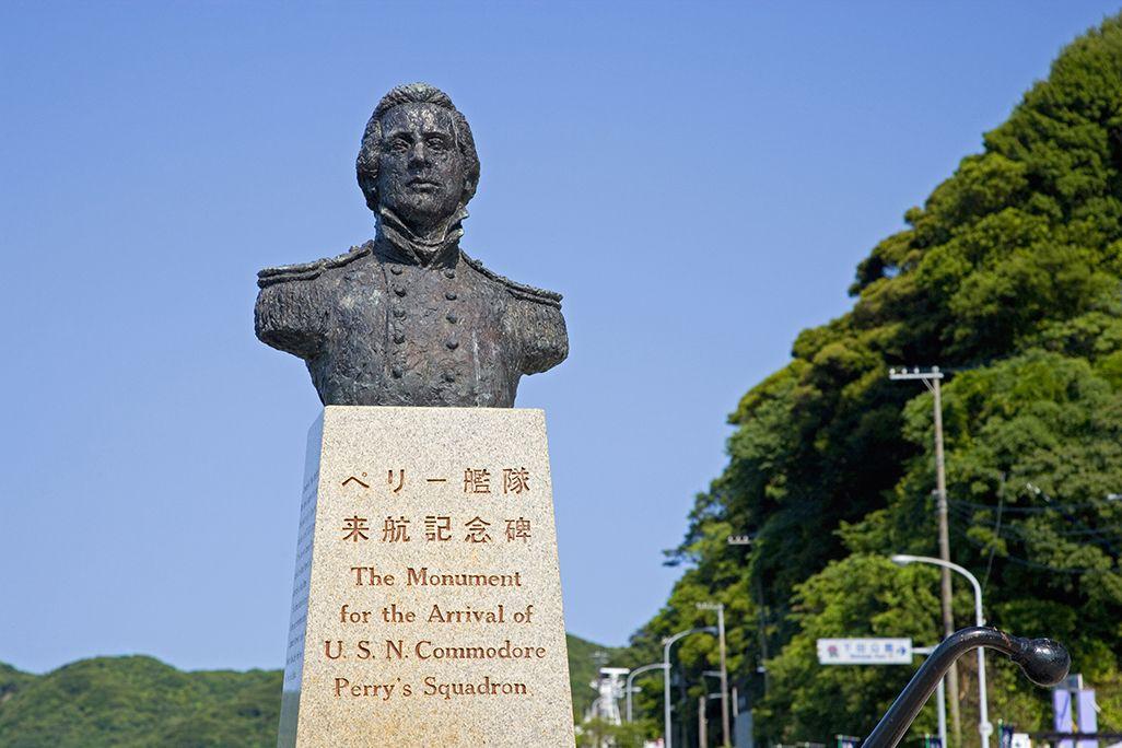 静岡県下田市のペリー上陸記念公園にあるペリー提督の像
