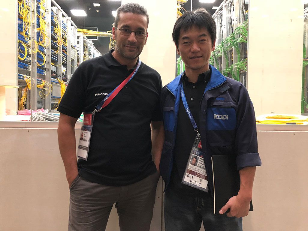 モスクワ「IBC」でのKDDI中継体調・山田昌弘。隣は欧州放送連合のアリさん