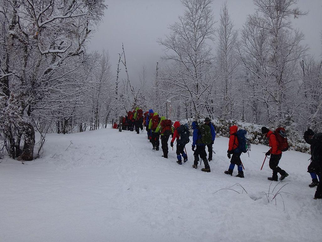 第61次南極越冬隊による長野県の雪山での訓練の様子
