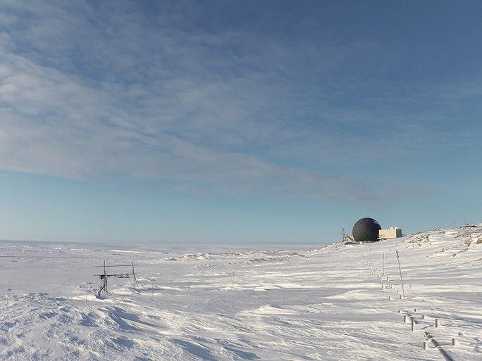 の 雪原 極地