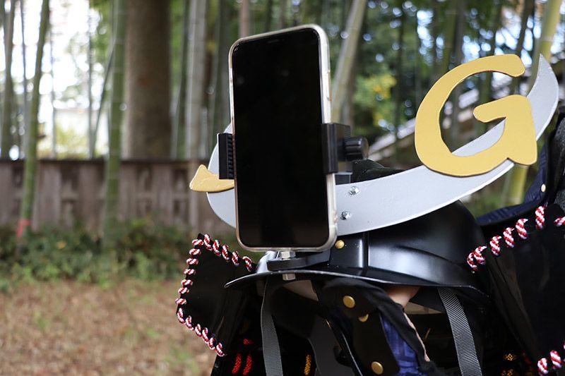 兜スマホケースのスマートフォン