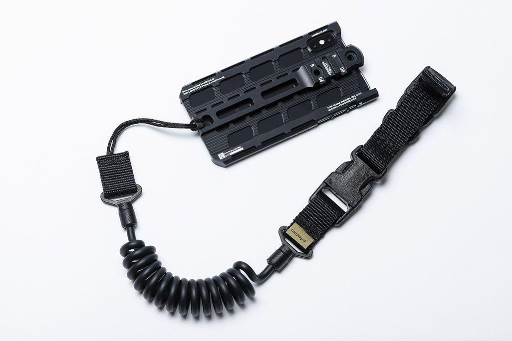 カトキハジメiPhoneケース「RAILcase」ランヤード装着