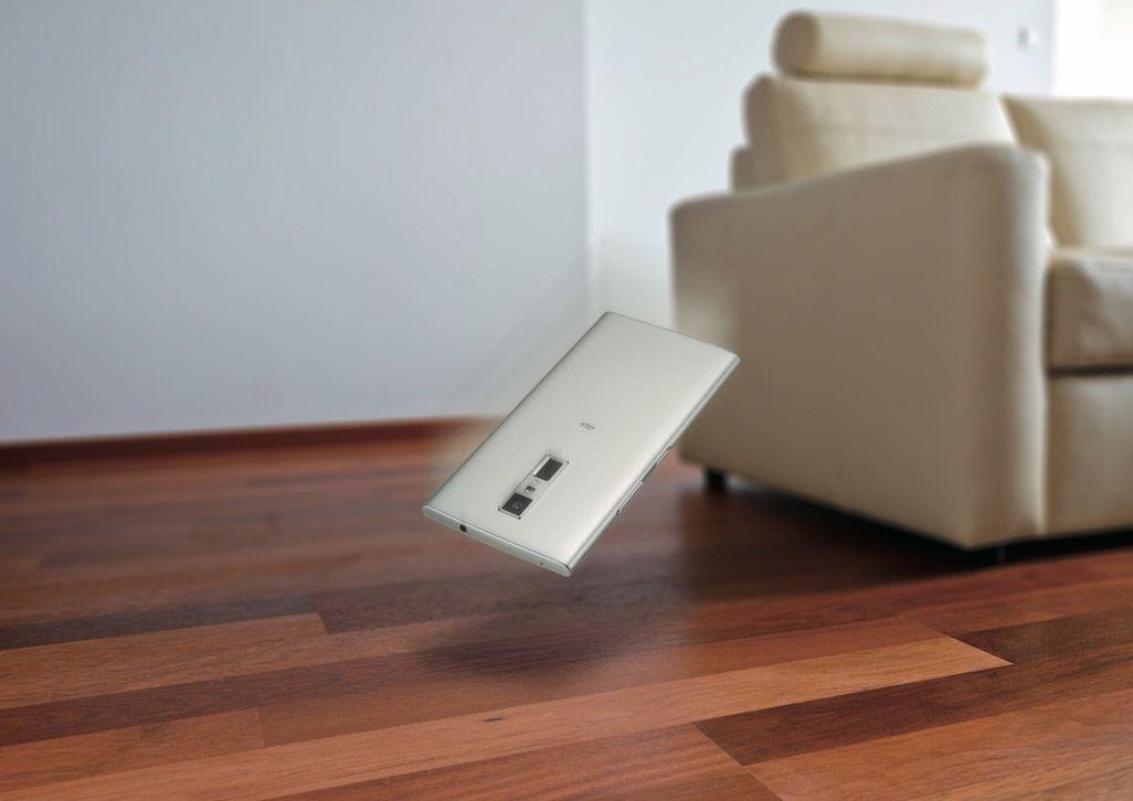 URBANO V04は防水・防塵・耐衝撃性能を搭載