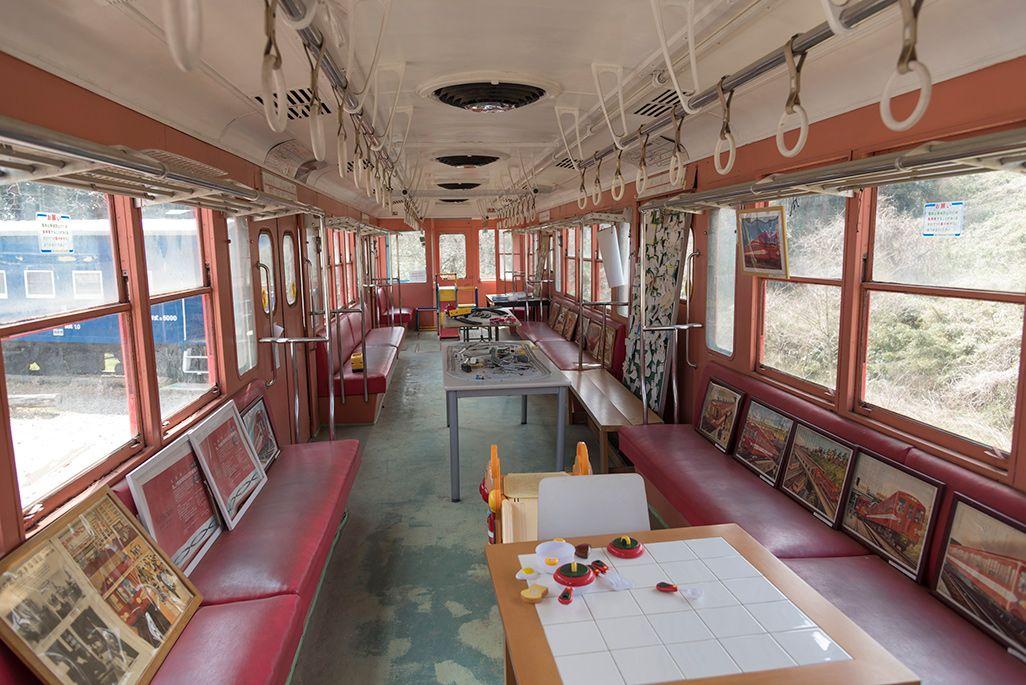 「ポッポの丘」の地下鉄丸ノ内線車両