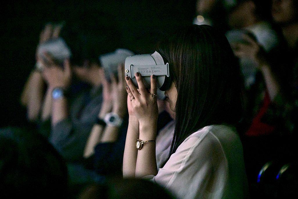 VR演劇『Visual Record ~記憶法廷~』