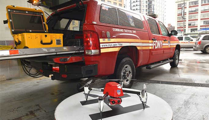 【世界のドローン69】ニューヨーク市公式認定。真紅の消防ドローンがかっこよすぎる!