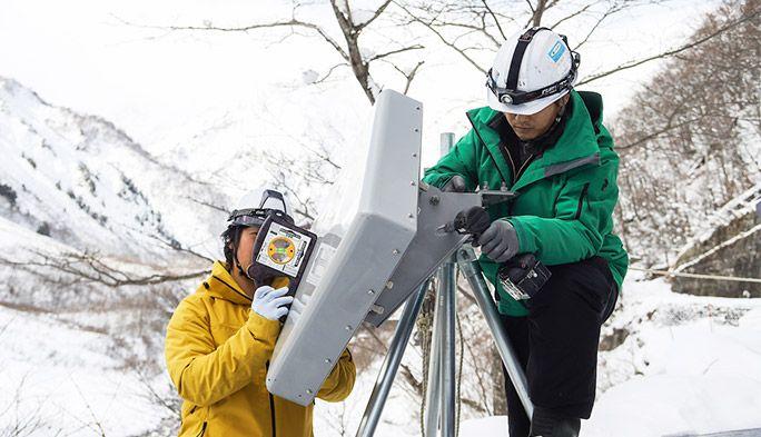 標高2,000mの雪山に電波を! 白馬のスポーツイベントへの雪中基地局建設工事に密着