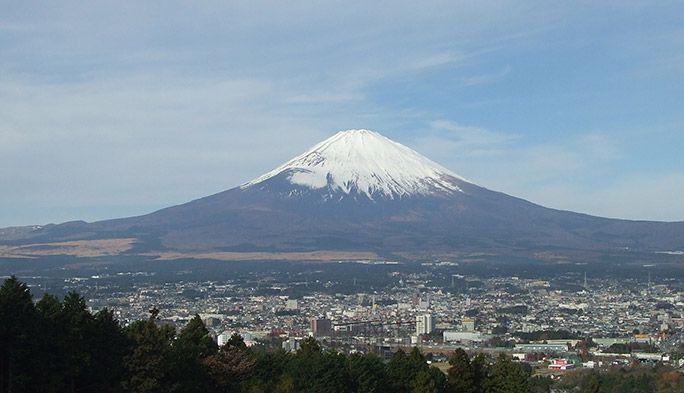 富士山登山道の混雑度を「見える化」 そこから判明した登山客の意外な行動パターン