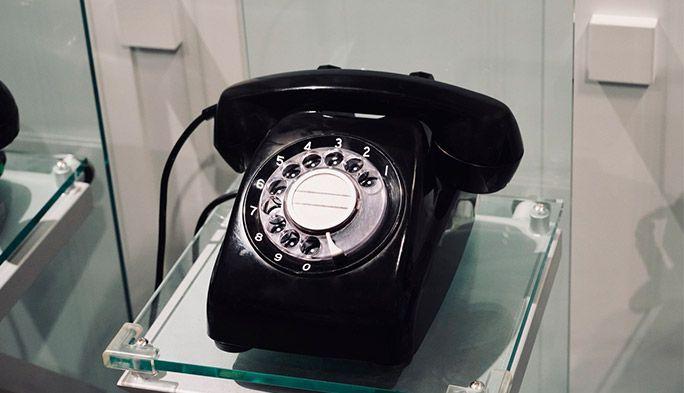 日本で電話が生まれて150年 黒電話や公衆電話など『電話の歴史』を振り返る