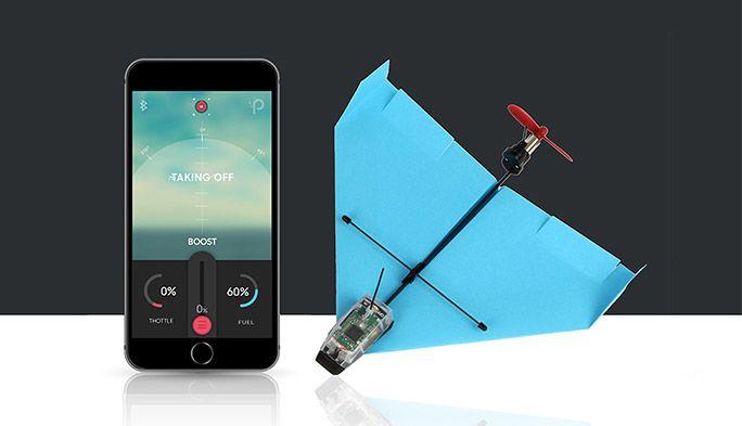 スマホで操作する紙飛行機『POWERUP DART』 最高時速40キロとスピードも圧巻