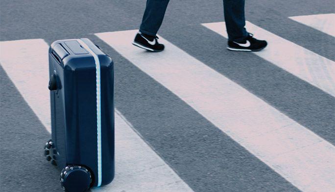 旅行・出張に革命! 持ち主の後を自動で付いてくるスーツケースが国内販売開始