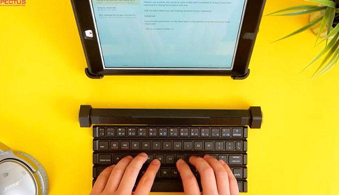忍者の巻物みたいにくるくる巻いて持ち歩けるキーボード「COMPECTUS」