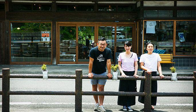 """【デュアルワーカーの肖像】東京のアートディレクターが、佐賀有田でカフェをオープン。通信を駆使して目指す""""デュアルな働き方""""とは?"""