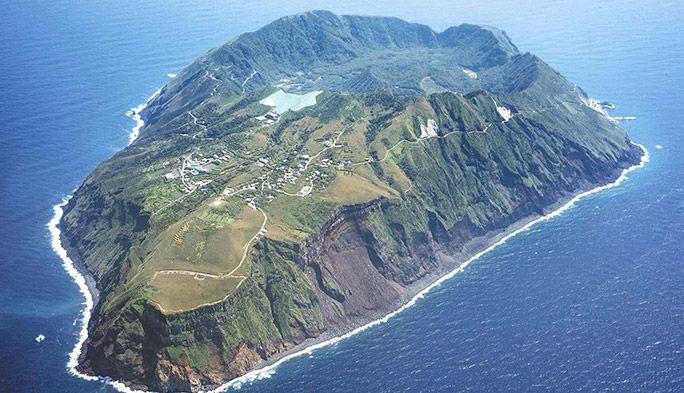 青ヶ島で「Runtrip」上陸難易度S級の東京の秘境で絶景ランニング