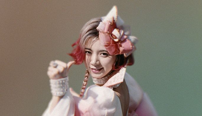 『親指姫』はいったい誰? au三太郎CM 新キャラクターの正体が明らかに