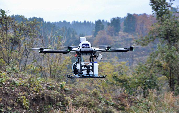 起伏のある土地でも自律飛行が可能に! 3次元地図と通信が広げるドローンの未来