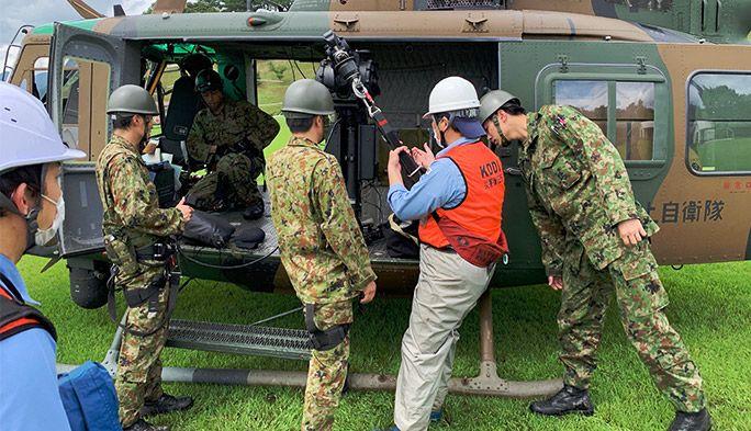 自衛隊ヘリから降下も 7月豪雨災害に対応したKDDIの基地局復旧作業の全記録