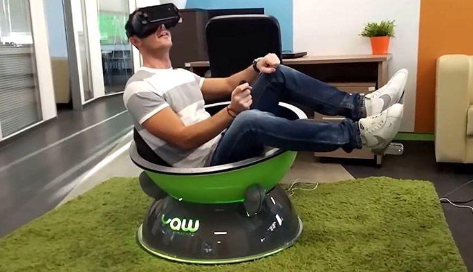 自宅でジェットコースターやF1を体験 お椀型VRデバイス『Yaw VR』
