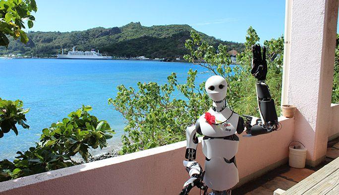 小笠原海洋センターに派遣されたTelexistence社のロボット・MODEL H